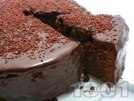 Шоколадова сиропирана торта с кексово тесто и глазура от масло и какао